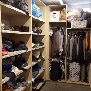 clothing-closet2-upright